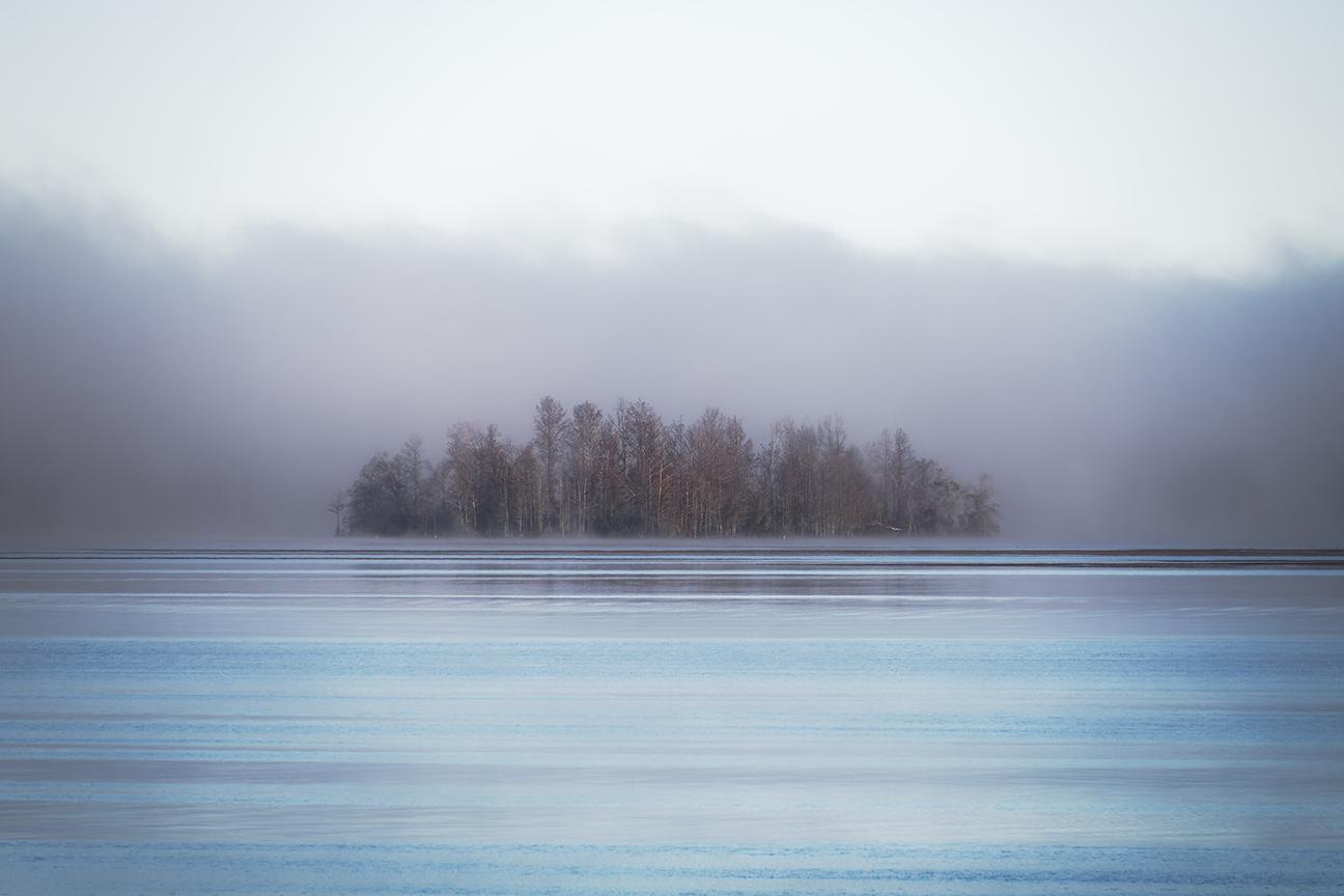 island-in-the-mist.jpg