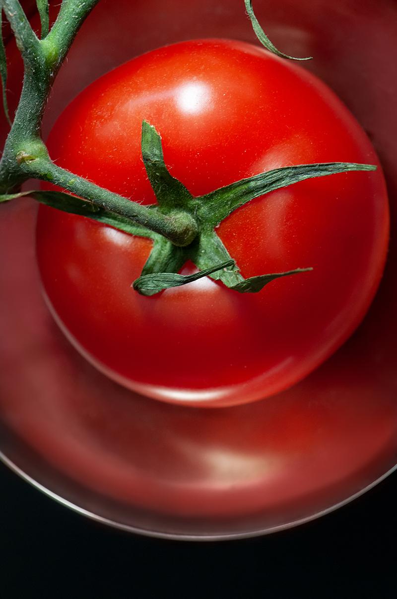 tomatored.jpg